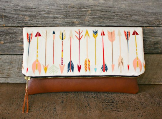 foldover arrow clutch