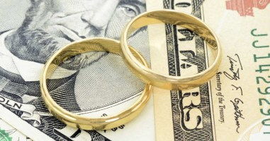 how-to-learn-your-spouses-true-money-habits_0.jpg