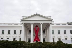 whitehouse-red-ribbon.jpg