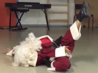 voguing-santa-death-drop-fierce.jpg