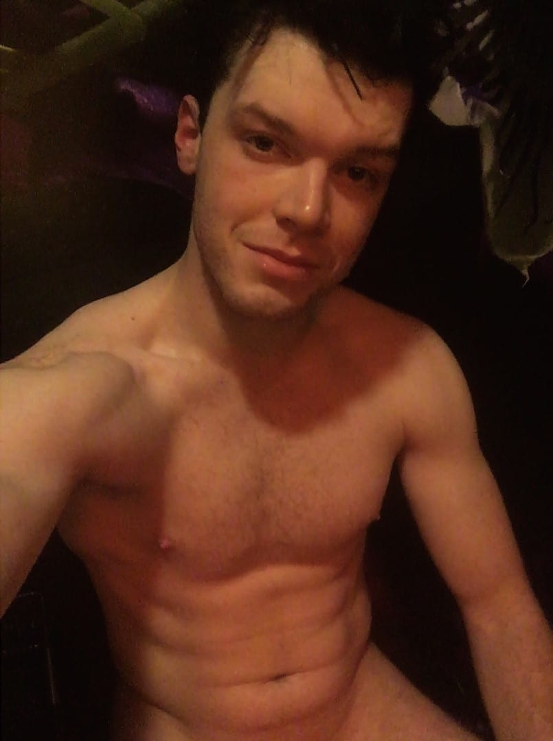 Shameless Star Cameron Monaghan Posts Suggestive, Sweaty