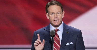 Tony Perkins.jpg