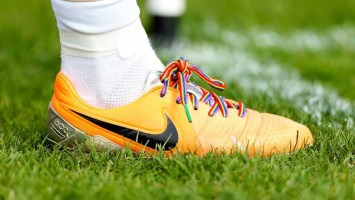 221116--800-rainbow-laces.jpg