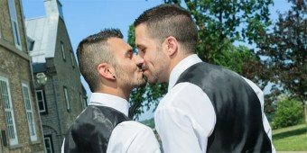 gay-wedding-700.jpg