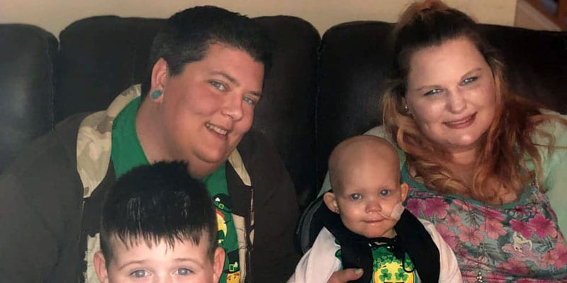 Tiffany and Albree Shaffer with their children (via Facebook)