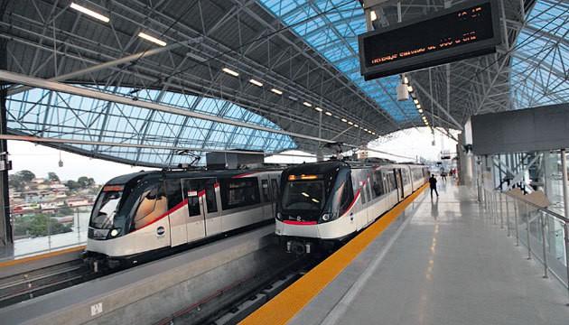 piso_podotactil_anden_estacion_metro_3