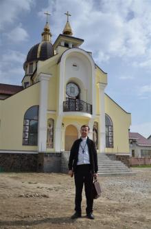 Padre Josafat Boyko, IVE. Párroco de la parroquia Santo Cirilo y Metodio del Instituto del Verbo Encarnado en Ucrania