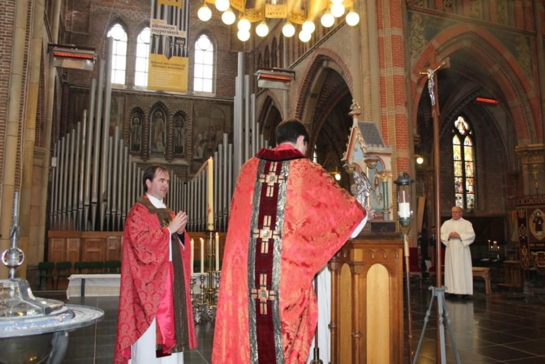 Institute of the incarnate word (ive) - Eucharist (10)