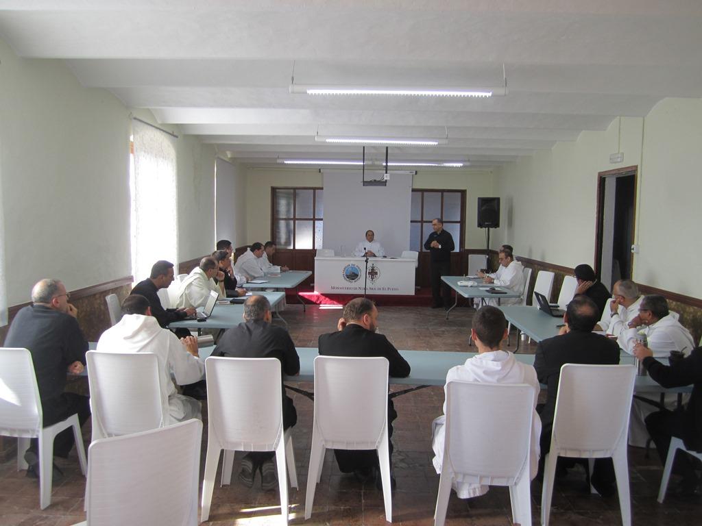 Instituto-del-verbo-encarnado-ive-monjes-contemplativos-el-pueyo-reunion (2)