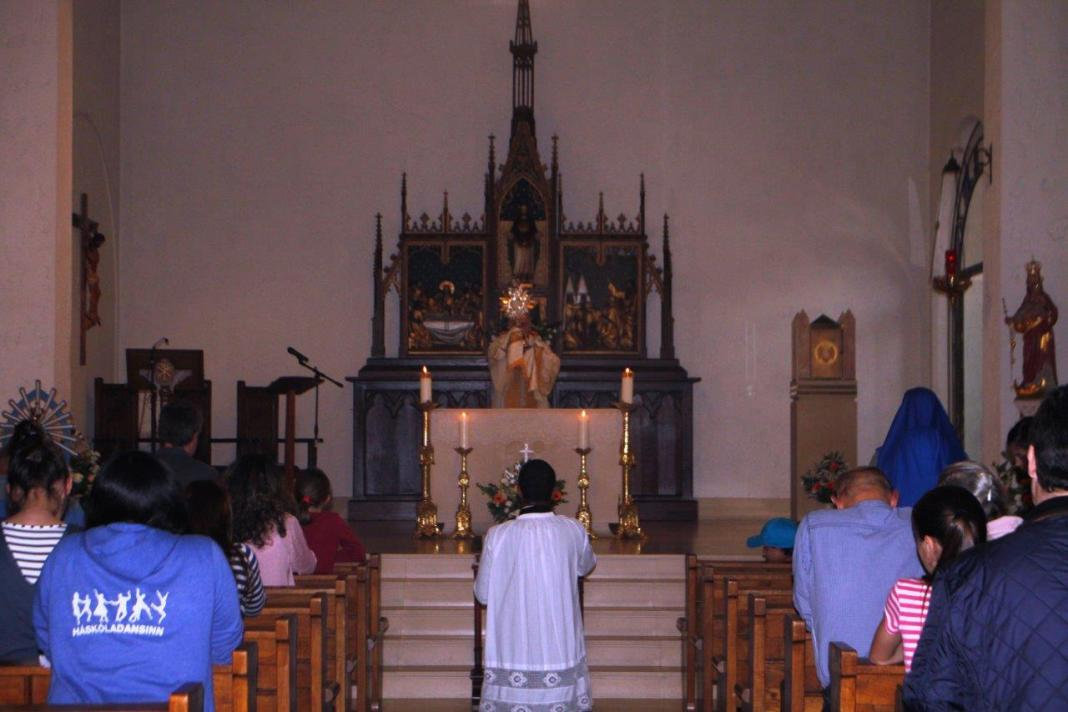 servidoras-Jornadas-familias-capilla