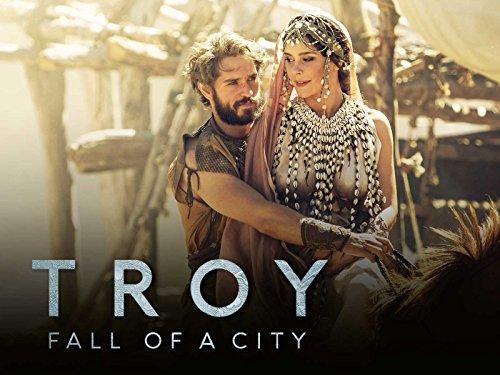 O casal Páris e Helena na série Troia