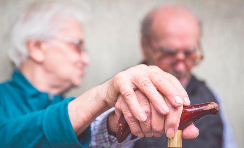 Atitudes que melhoram a convivência com os portadores de Alzheimer