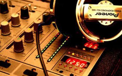 how to create a Virtual DJ