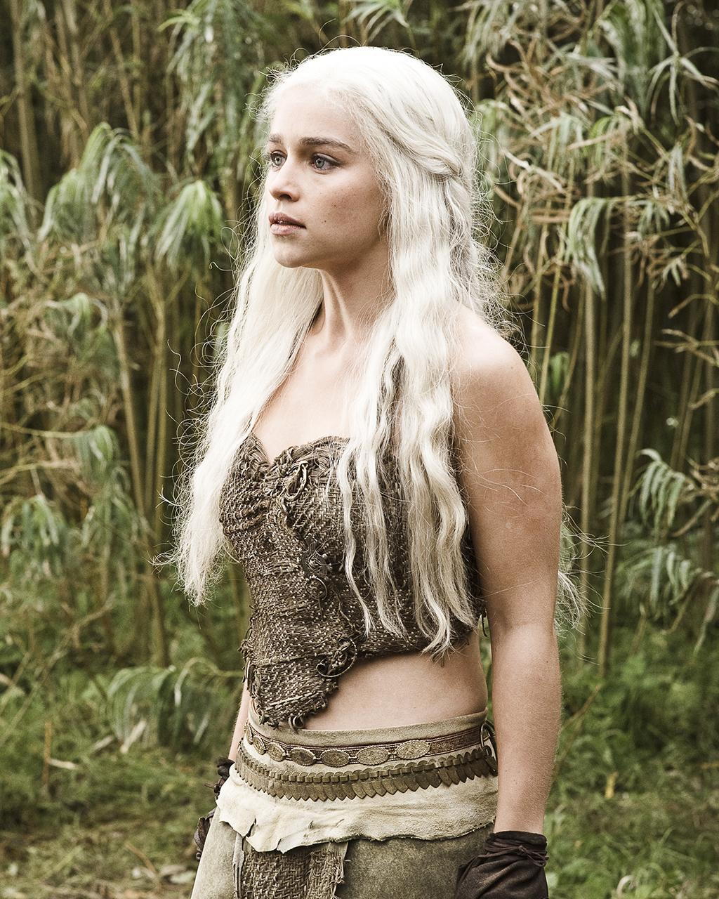 Bonito y cómodo peinados daenerys targaryen Imagen de tutoriales de color de pelo - Así es como han cambiado los peinados de Daenerys ...