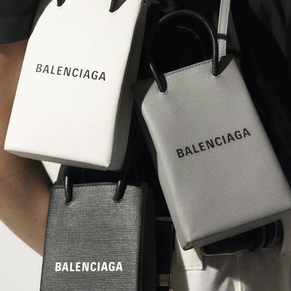 ¿Amas la moda? Esta es la Phone-Holder Bag que necesitas