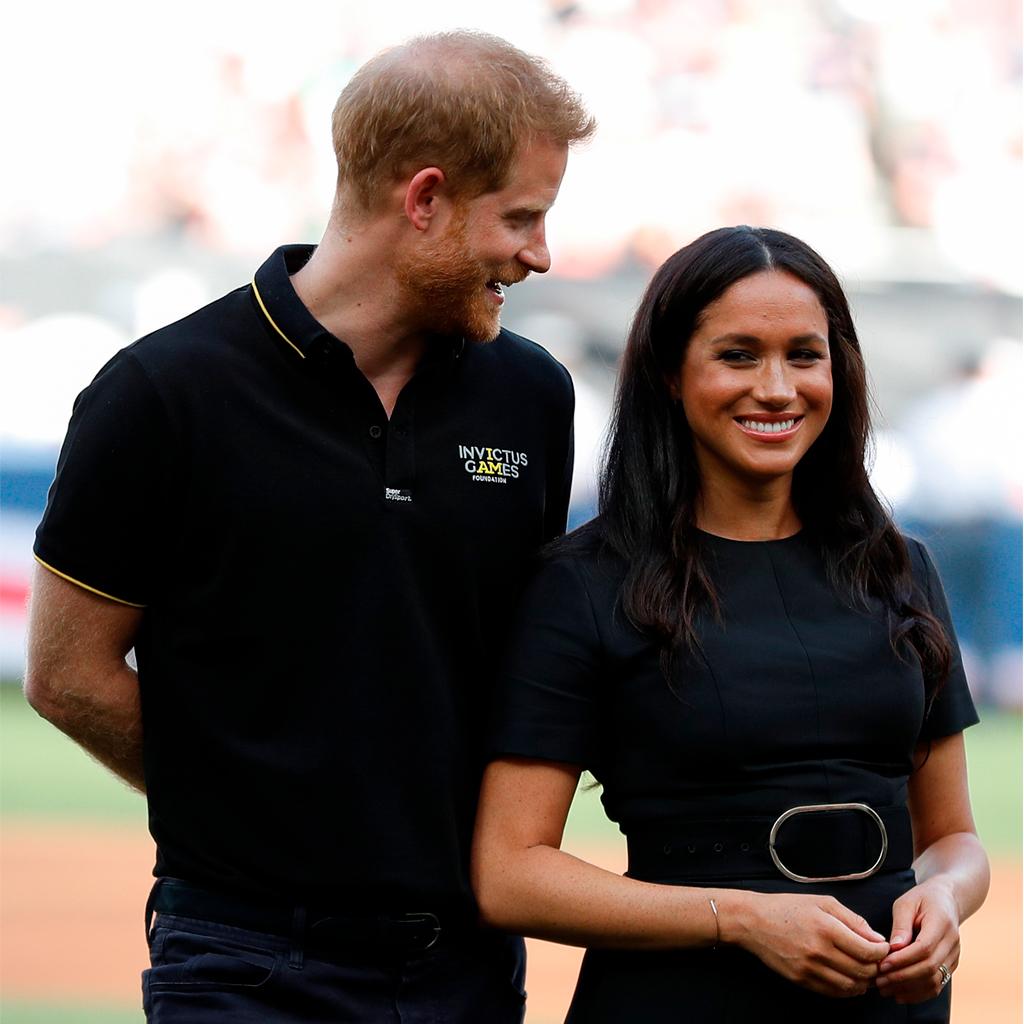 Awkward moment? Ve lo que pasó entre Meghan y Harry en pleno partido de baseball
