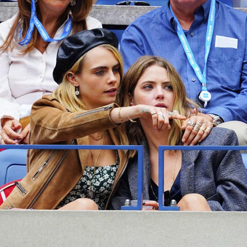 PDA alert! Cara Delevingne y Ashley Benson no dejaron de darse besos en la final del US Open