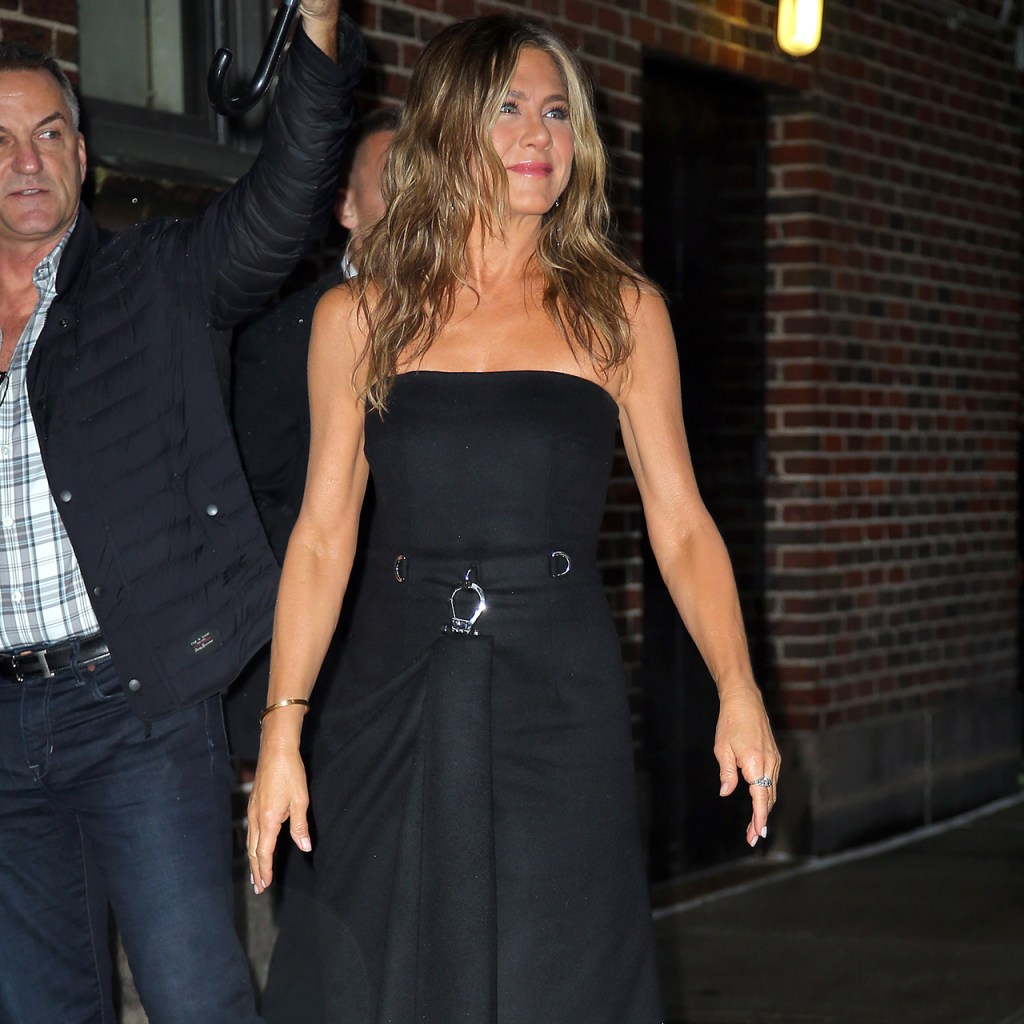 Encuentra las diferencias entre Jennifer Aniston y la mamá de Selena Gomez
