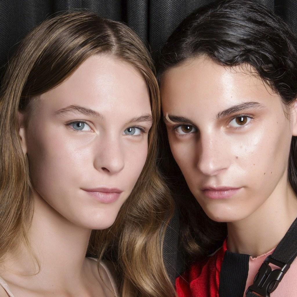 ¿Cómo eliminar las manchas del acné? (Y prevenir que salgan nuevas)