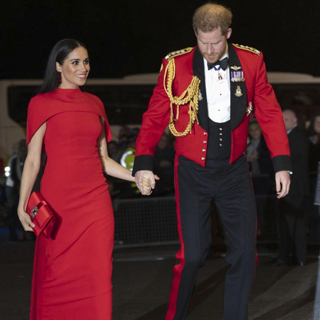 Meghan Markle y el príncipe Harry dominan el estilo de pareja en rojo