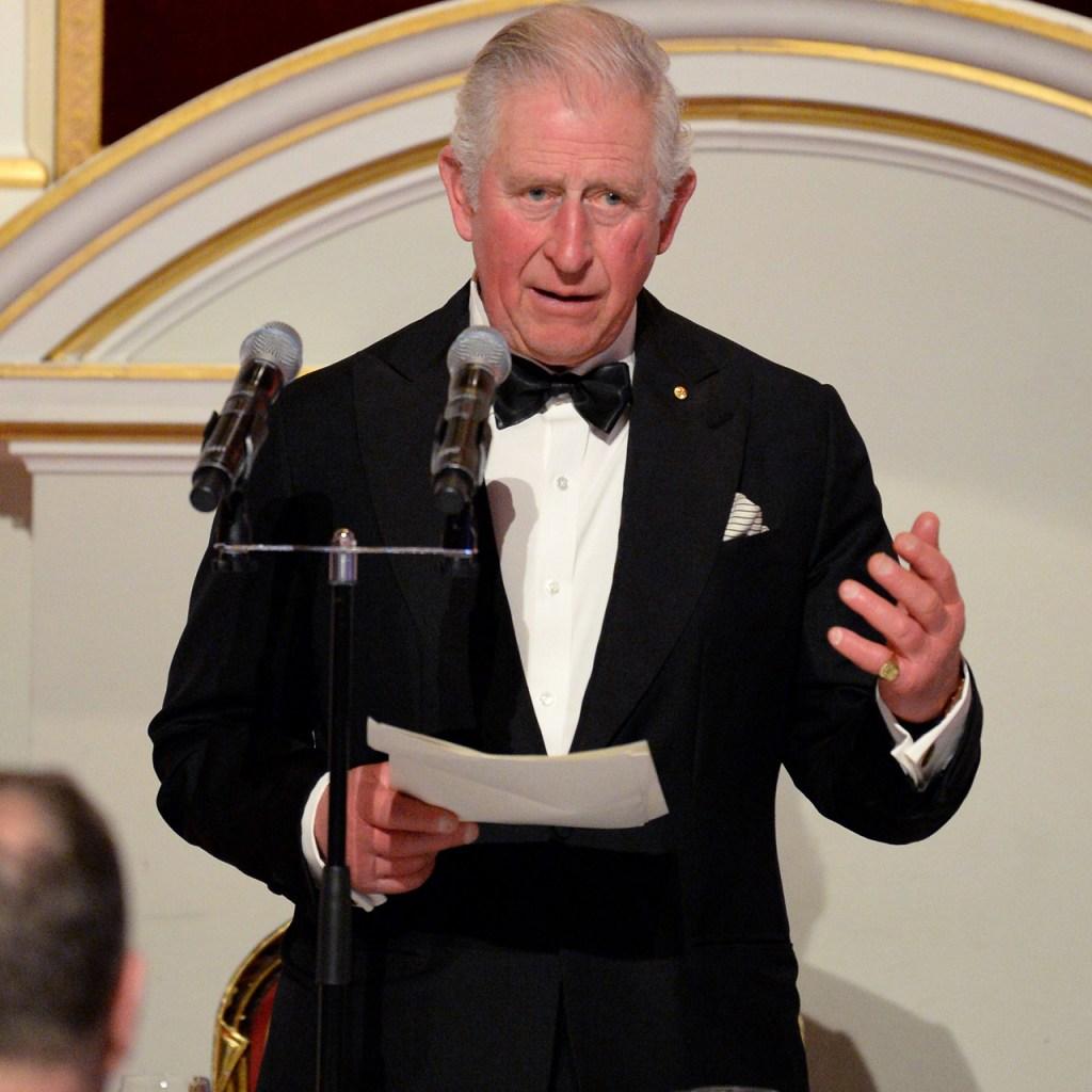 El príncipe Carlos aparece por 1ª vez desde su diagnóstico de Coronavirus