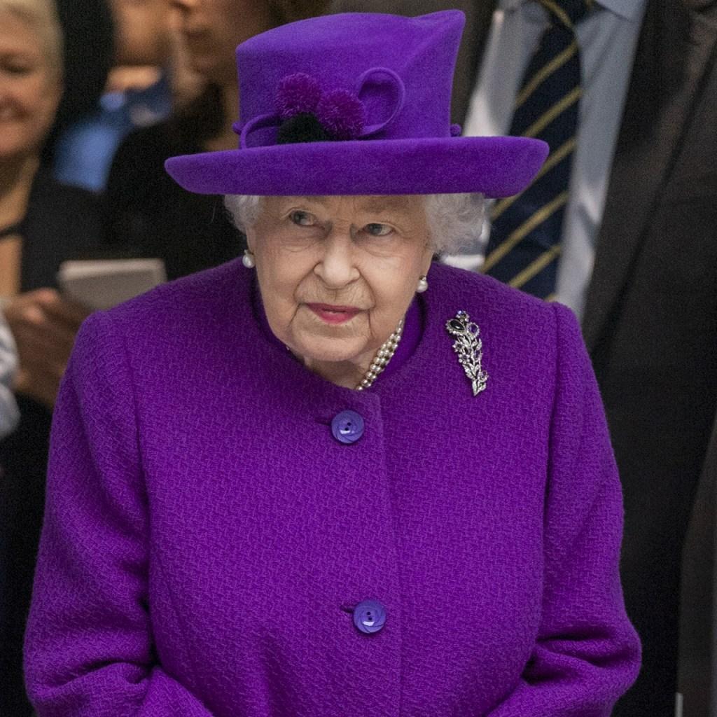 La reina Isabel no puede viajar sin este snack de chocolate