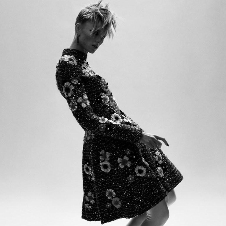 La colección alta costura digital de Chanel se inspiró en Karl Lagerfeld