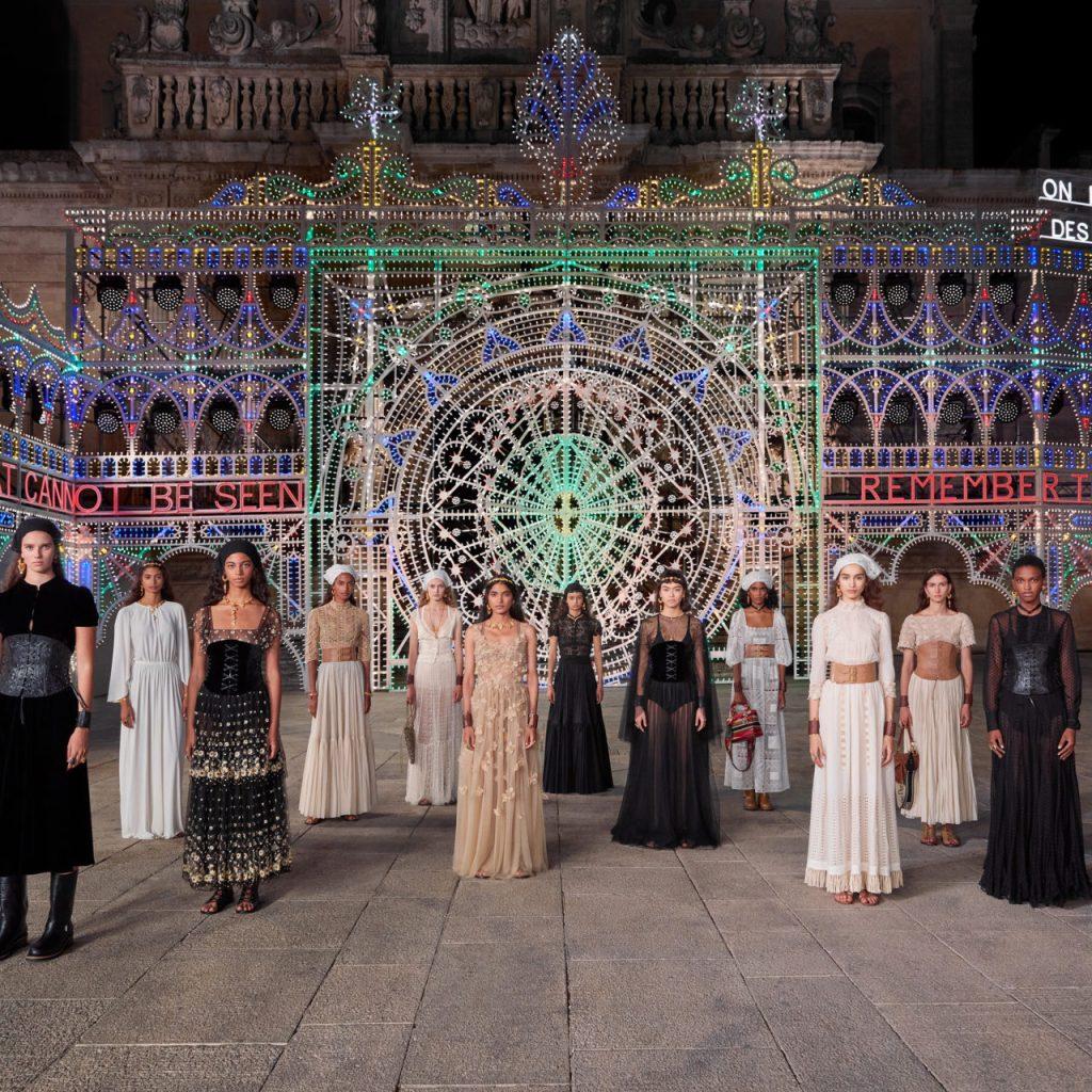 Artesanía, nostalgia y pasión: palabras clave del desfile Cruise de Dior