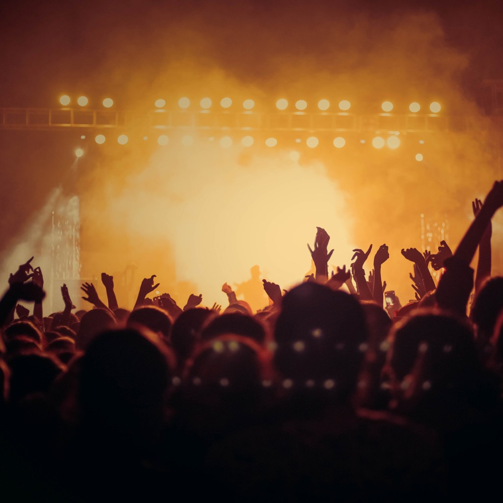 'Crash the Couch', el concierto virtual que beneficiará a músicos durante la contingencia