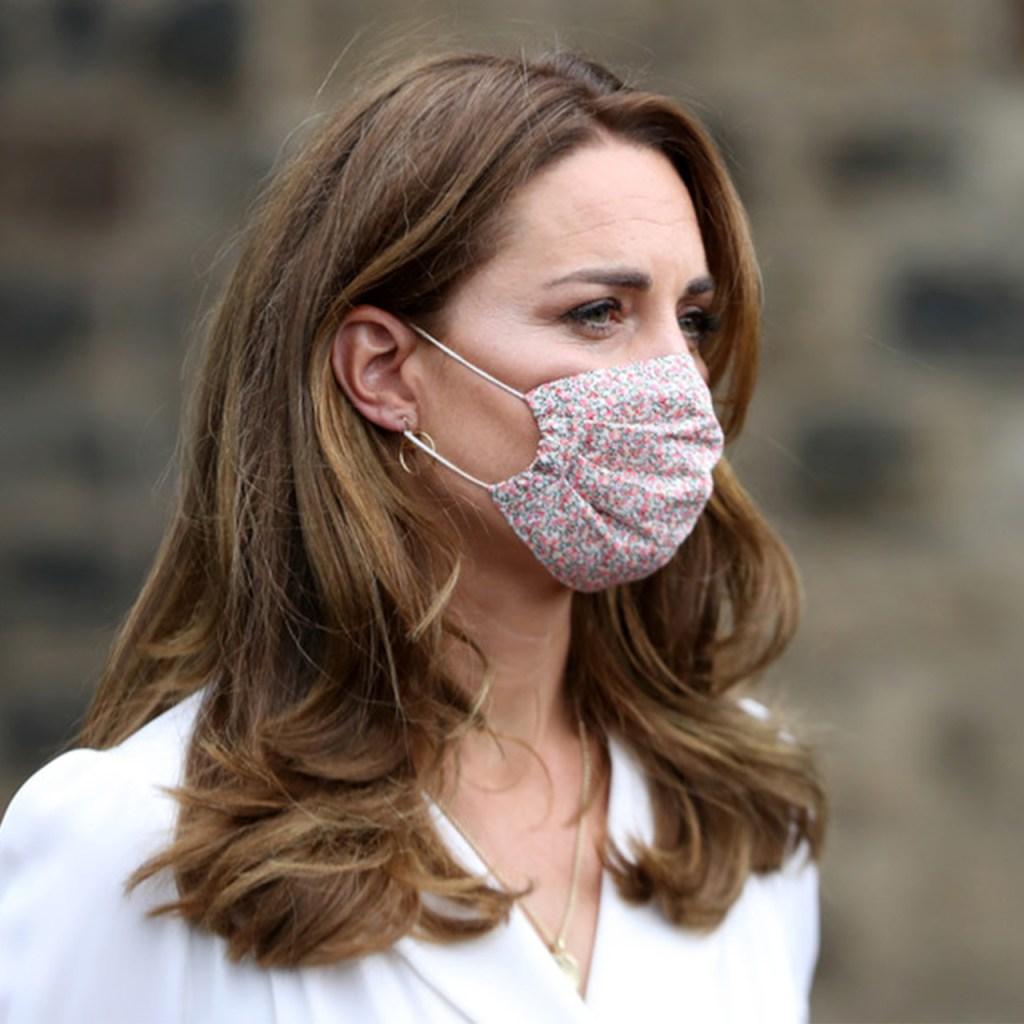 Por primera vez, vimos a Kate Middleton con cubrebocas (y nos encanta)