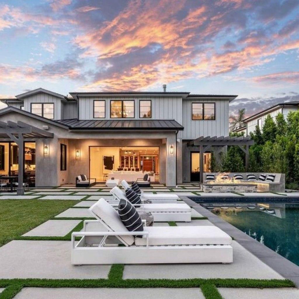 La nueva mansión de Demi Lovato nos está dando farmhouse vibes