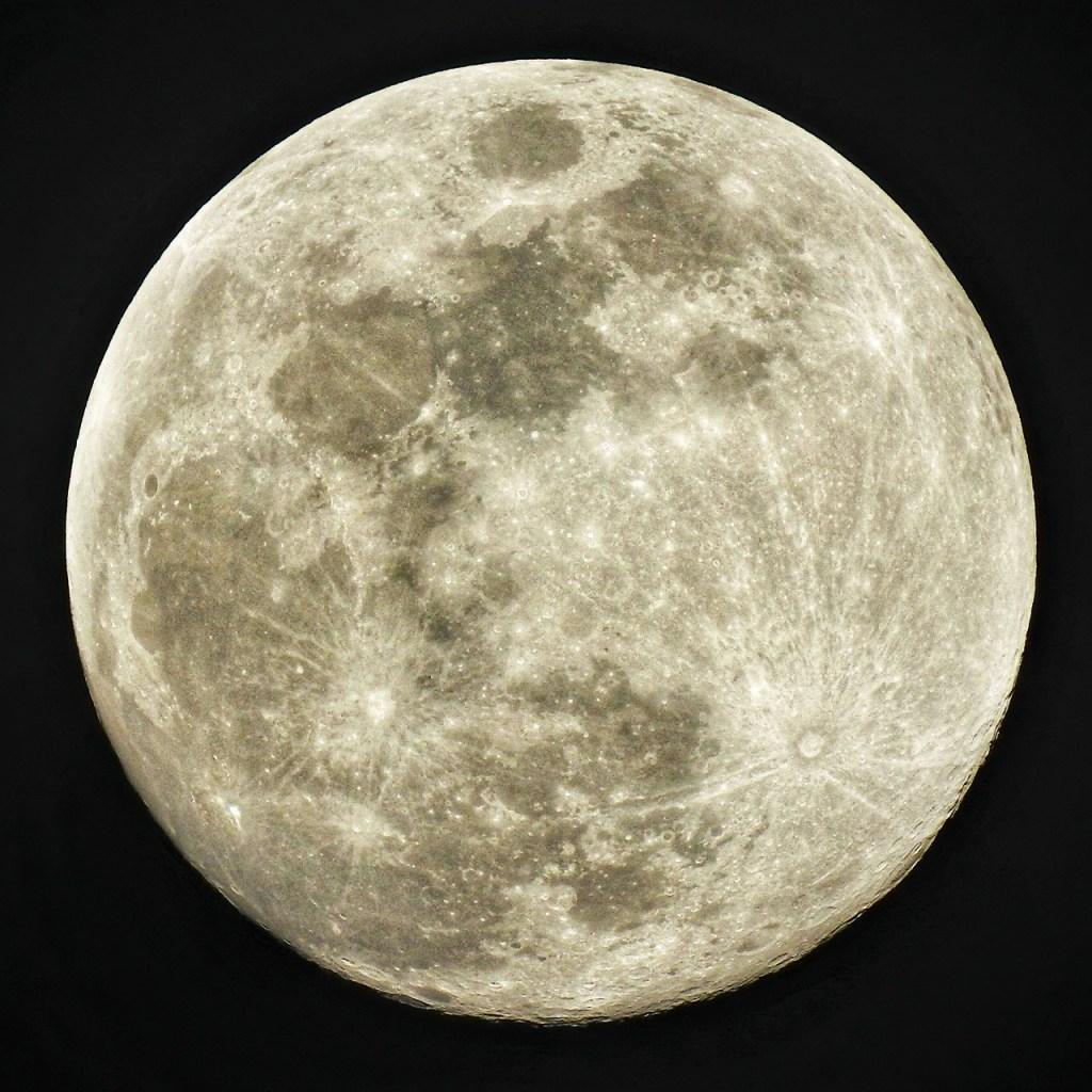 Selenofilia: la explicación psicológica a tu amor por la Luna