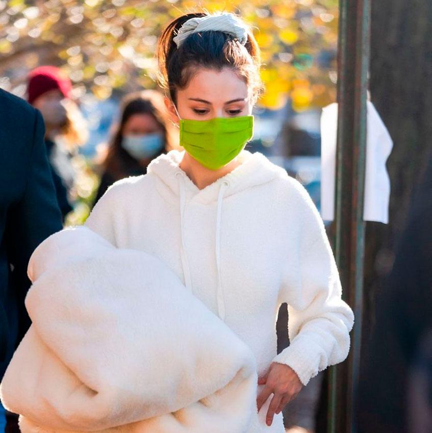 Selena Gomez quiere volver a poner de moda las botas UGG