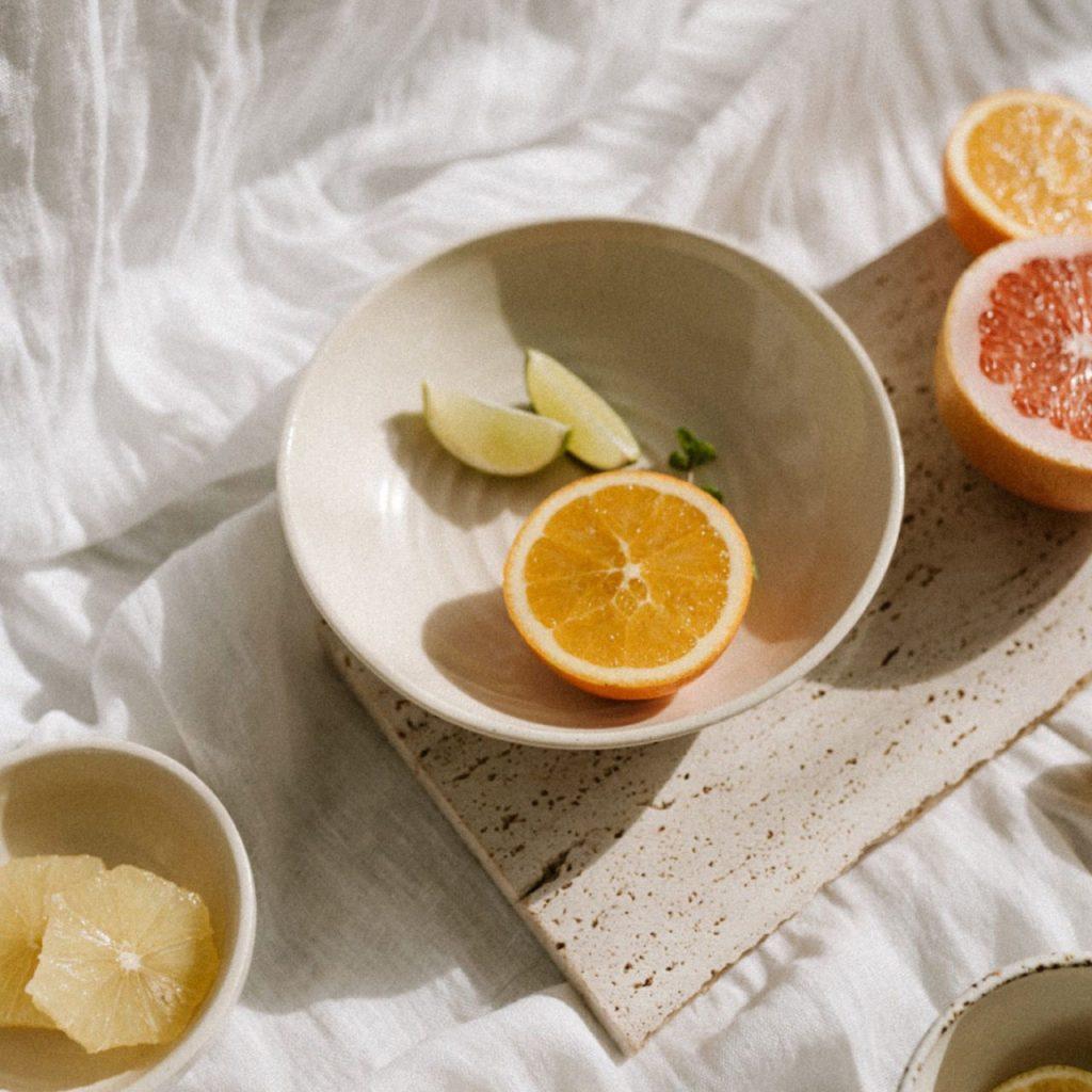 Qué es lo que tenemos que comer (y qué no) para evitar el acné