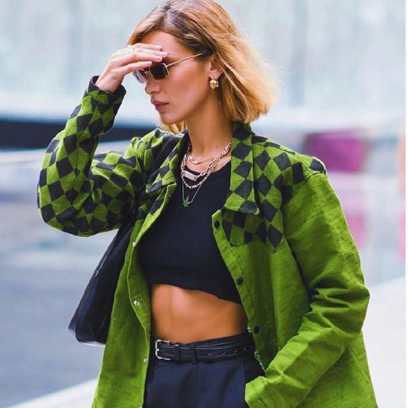Recreamos uno de los últimos looks de Bella Hadid con prendas de Zara