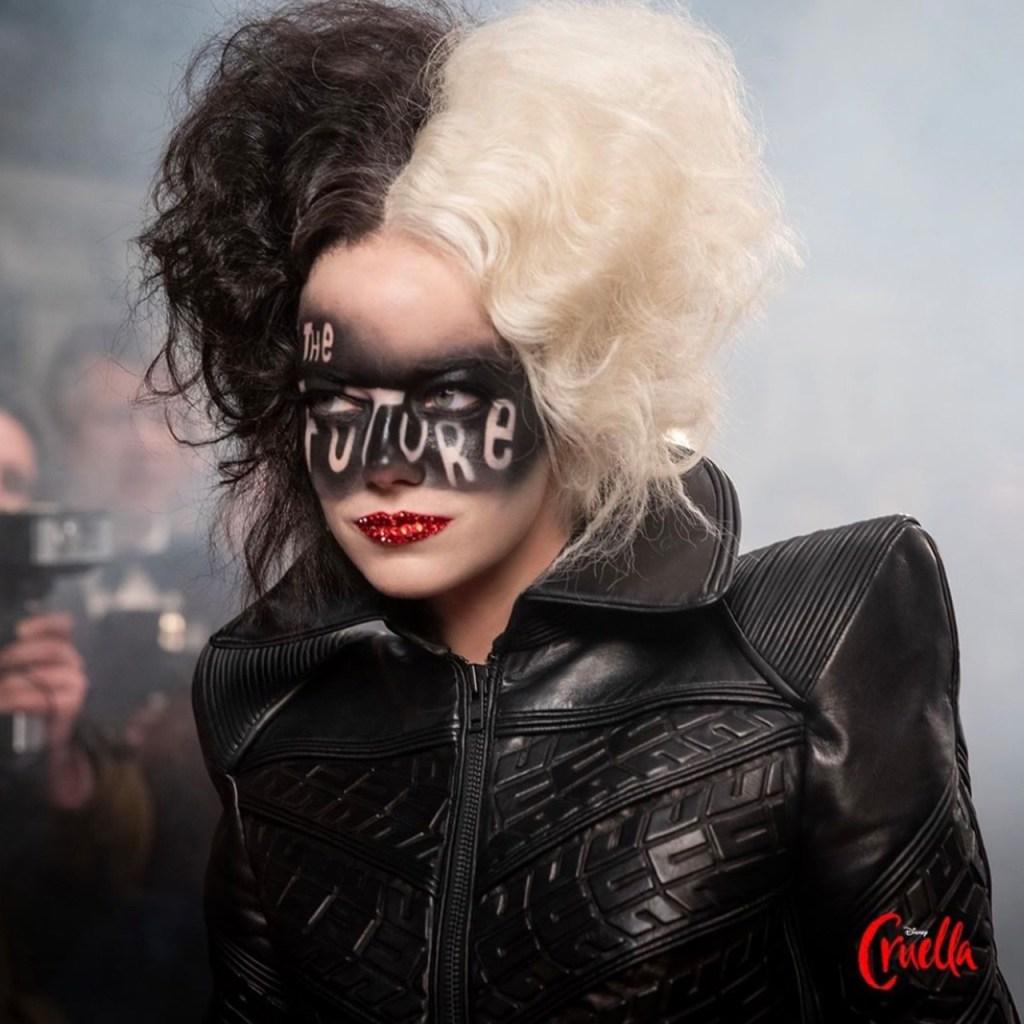 ¿Por qué Emma Stone no aparece con el icónico cigarro de Cruella?