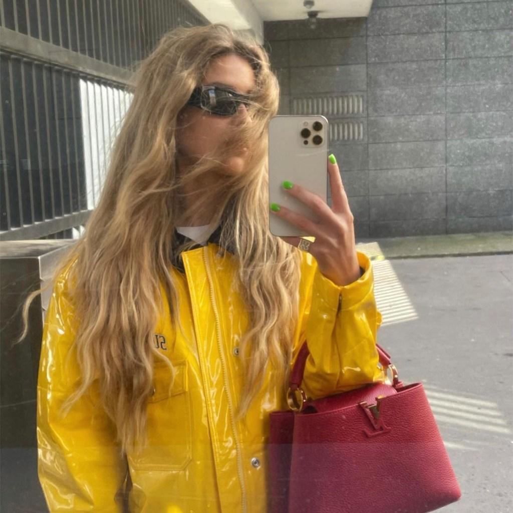 La nueva chamarra favorita de las fashion bloggers es de Uterqüe