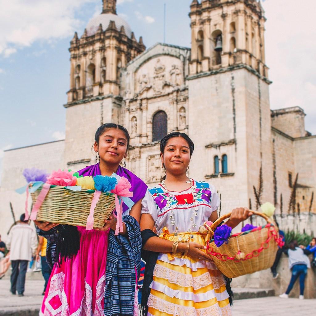La Secretaría de Cultura exige una explicación por apropiación cultural de textiles mexicanos