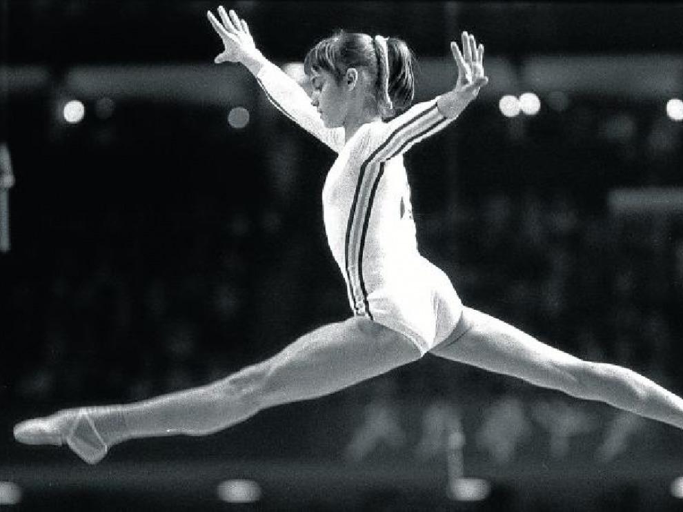 mujeres medallas de oro juegos olímpicos nadia comaneci