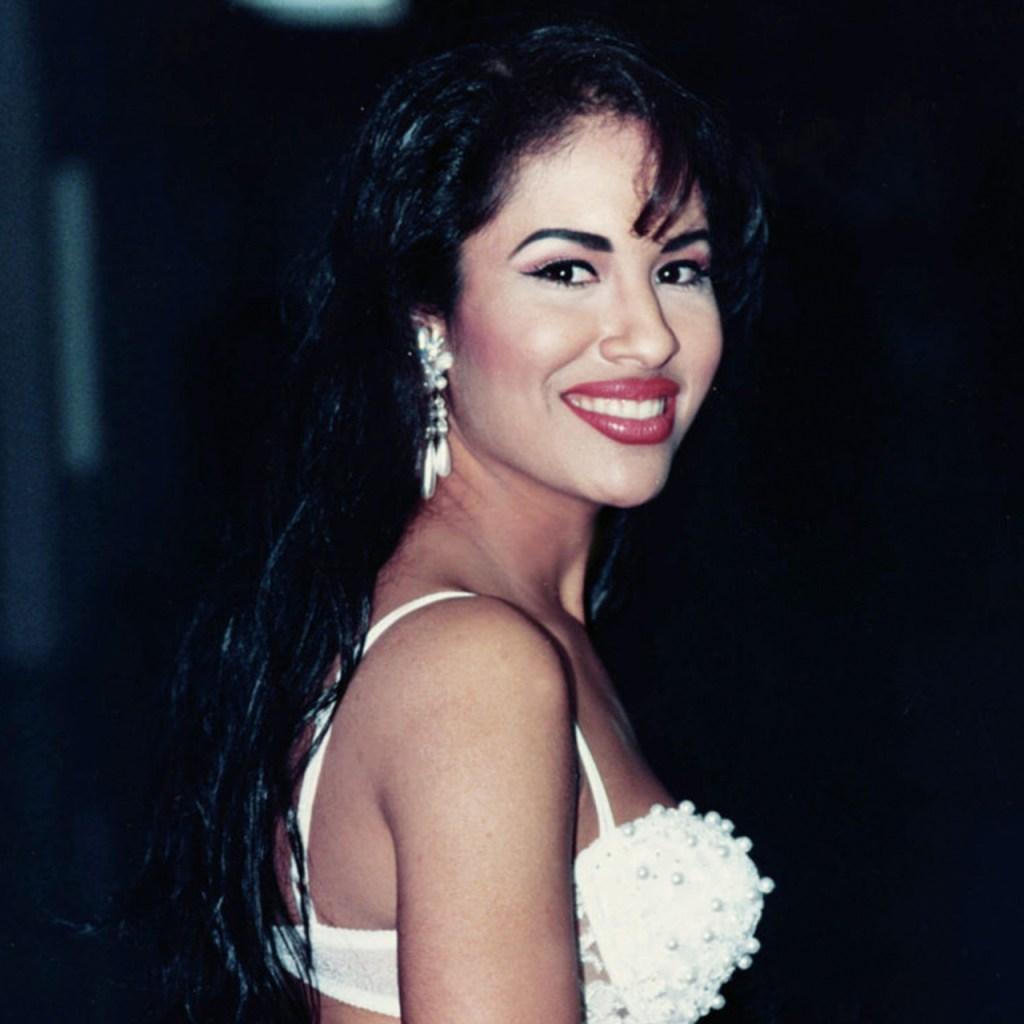 Selena Quintanilla, bella y enamorada en una nueva foto inédita