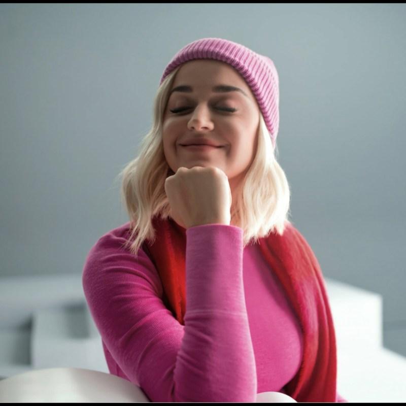 """Katy Perry hizo un cover de """"All You Need is Love"""" para Gap y querrás escucharlo sin parar"""