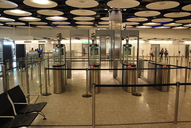 640px-heathrow_terminal_5_epassport_gates