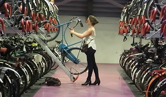 netherlands cycle commuter parking