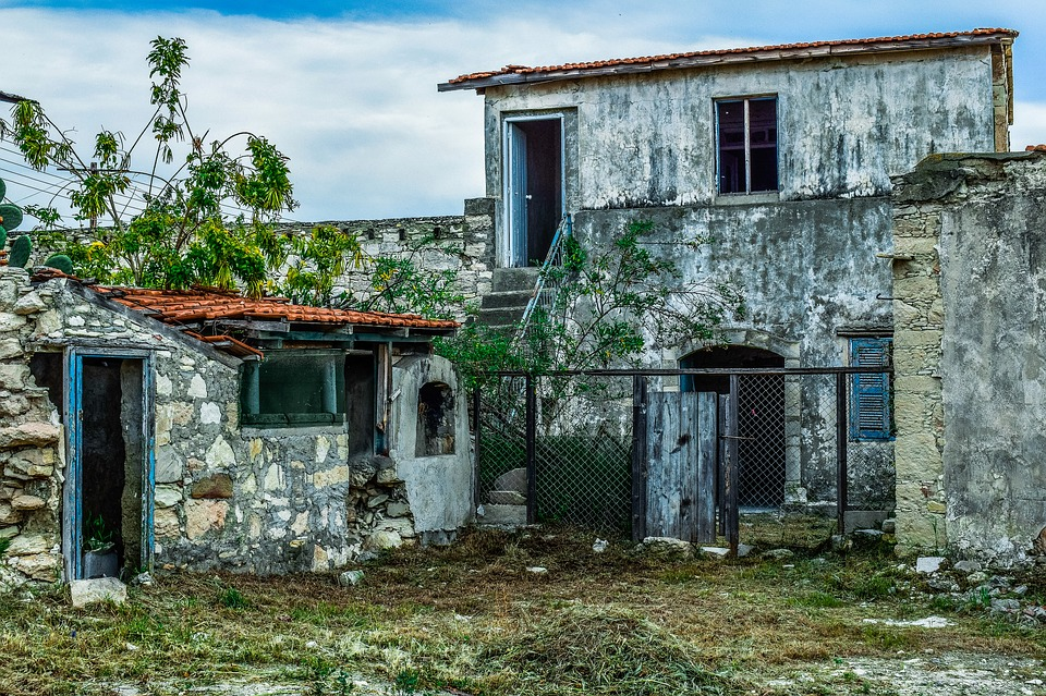Real Estate Agents – Determining Older Homes' Insurability