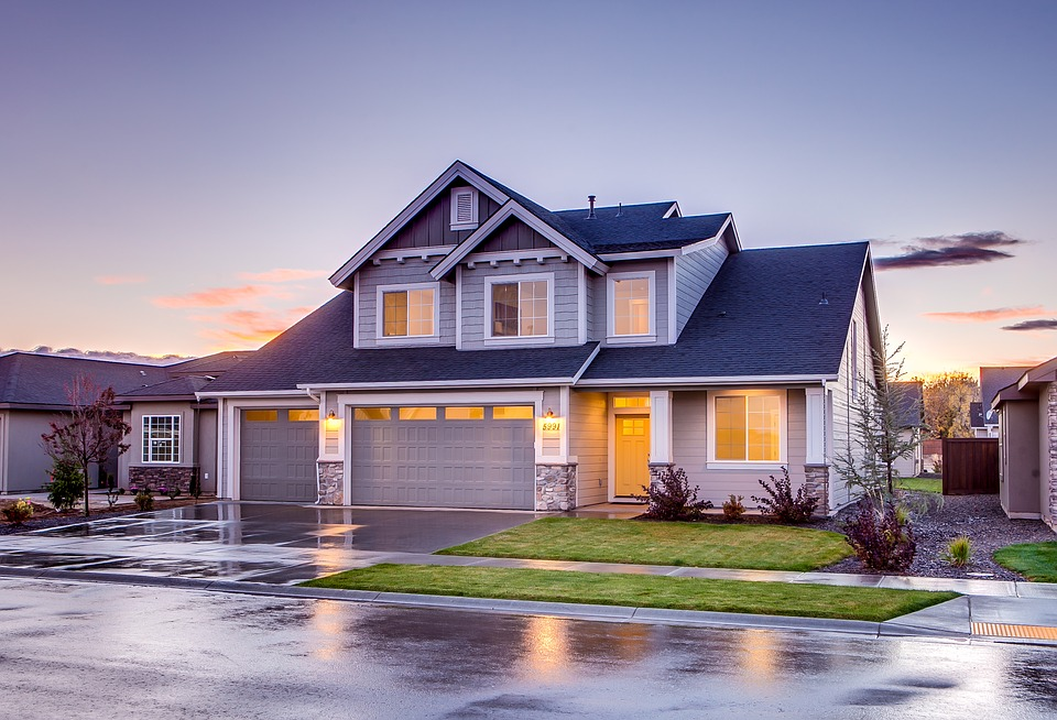 Save Money by Bundling Home and Auto Insurance