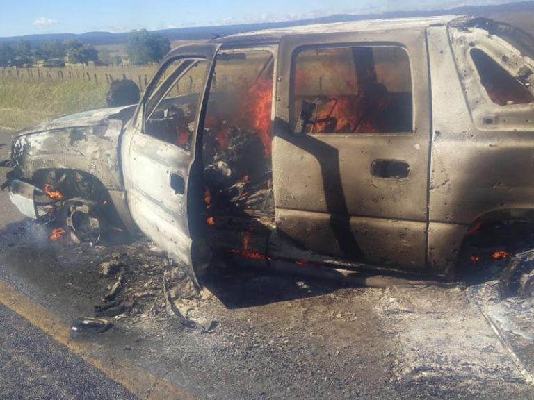 Decapitan sicarios a 5 hombres y queman 2 vehículos en Chihuahua