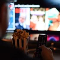 Participan Lakers en nueva comedia de Netflix y Mindy Kaling