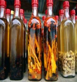 Напиток для Вашего здоровья, осы и личинки насекомых настоенные на спирту