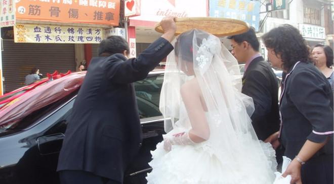 А какие они тайваньские свадьбы?