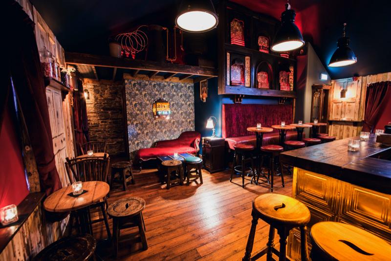 Davy Macs Irish Bar design
